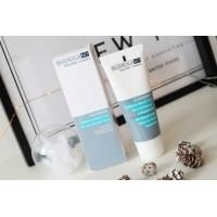 Очищающий гель-пилинг с гиалуроновой кислотой Biodroga MD™ Radiance Boost Gel for a luminous complexion